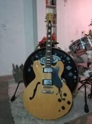 Guitarra semi acústica Clark