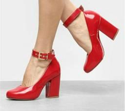 Sapatos lindos, confortáveis e super baratos!!