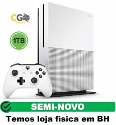 Xbox One S 1TB Semi Novo com 1 Jogo e Garantia - Cartão Até 12x - Loja Física