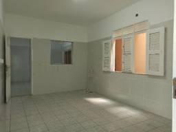 Aluga-se Casa Comercial - Vila União