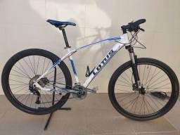 Bicicleta lotus Shimano alivio