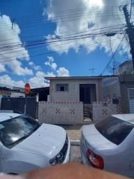 Aluga-se ótima casa em Jaguaribe.