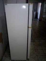 Excelente geladeira frost free