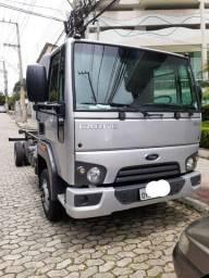 Ford Cargo 816 2014 R$ 135.000,00 27- *