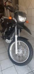 Bmw 650 muito boa. Aceito moto 250 ou 300 cil flex