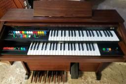 Órgão eletrônico / musical itson ar15 em excelente estado ,entrego