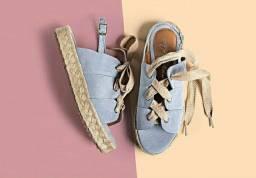 Sandália flatform azul com amarração e solado em corda