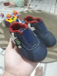 sandálias pra menino