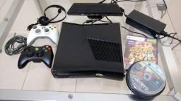 Xbox 360 Slim HD 250 Gb com Kinect, dois controles originais e com desbloqueio LT 3.0