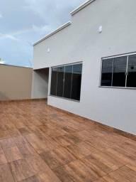 Casa de 03 quartos com fino acabamento a venda no Setor Itaguaí II em Caldas Novas Goiás