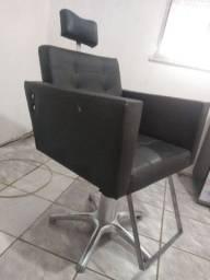 Cadeira e espelho para Salão de Beleza