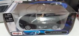 Miniatura Audi R8 1:24
