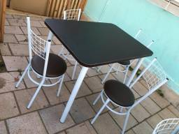 Mesa 4 cadeiras 1.10 cm