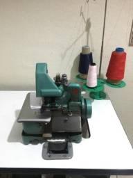 Máquina de Costura Overlock Chinesinha Com Mesa