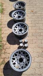 4 rodas Ford F1000 XLT Turbo originais + 4 capotas de ferro
