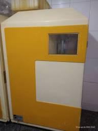 Máquina extratora de suco de laranja e limão , revisada .
