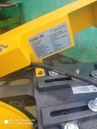 Policorte Ferrari base giratória 12 polegadas ferro e alumínio 800