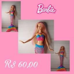Boneca Barbie Sereia com luz na cauda