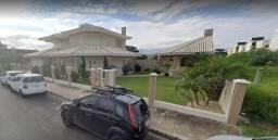 Casa de Condomínio no Bairro - 4 dorm. sendo 3 Suítes - 2 Terrenos