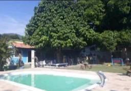 Sítio com piscina para eventos