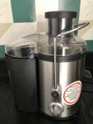 Máquina de sucos e processador (elétrica )