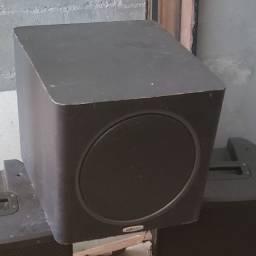 Subwoofer Ativo Polk Audio PSW110 - preto (usado com algumas marcas de uso)