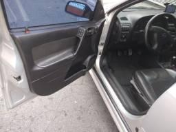 Astra sedan 2.0 16 v