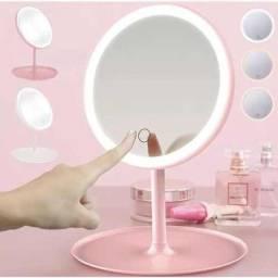 Espelho maquiador com LED