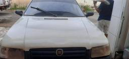 Vendo Fiat uno ano 2006 todo em dias documento e transferência na mão tem ar