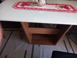 Mesa de jantar em ótimo estado