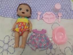 Título do anúncio: Boneca baby alive semi nova com acessórios