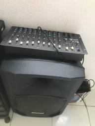 Caixa de som e mesa
