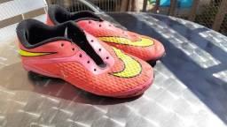 2 chuteiras Nike
