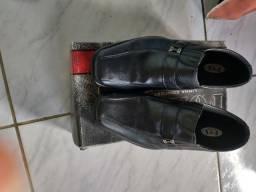 Vendo sapato social  semi novo