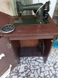 Máquina de costura husqvarna