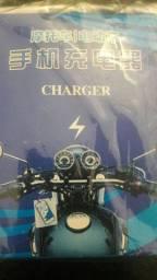 Carregador de celular para moto
