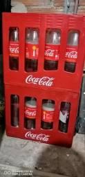 Caixas de Coca-Cola retornável.