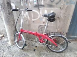 Bike documentada e conservada. Ela dobra
