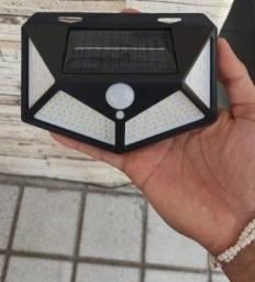 Luminária Solar 4 Placas de 100 Leds