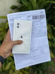 iPhone 11 64GB lacrado. Aceito iPhone e cartão