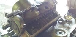 Vendo um motor MB 352