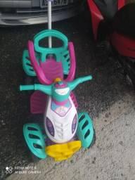Carrinho de passeio quadriciclo infantil