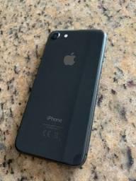 Vendo Iphone 8 64Gb na caixa