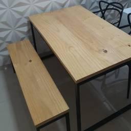 Mesa de jantar estilo industrial