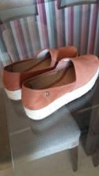 Vendo Sapato super novo!