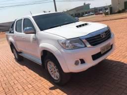Hilux C. Dupla SRV 3.0 - Pego carro - 2013