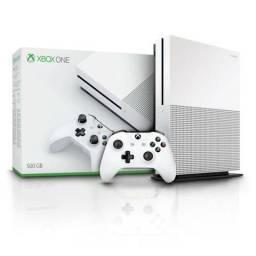 TORRO - Xbox One S 500GB Impecável!