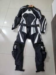 Macacão para motociclista em couro( 2 peças)