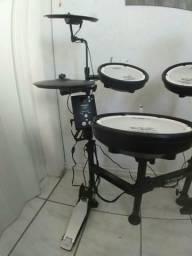 Bateria Eletrônica Roland V-Drums Portátil TD-1KPX *NOVA