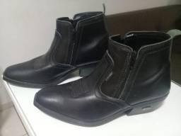 """Excelente par de """"botas"""" - número 42"""